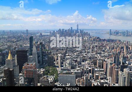 Epische Blick vom Empire State Gebäude von Manhattan und von OWO, New York City, New York, USA - Stockfoto