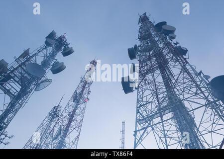 Telekommunikation mast TV Antennen Wireless Technologie - Stockfoto