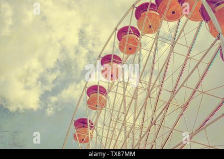 Retro getonten Bild von einem Riesenrad - Stockfoto