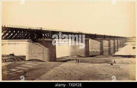 Untitled; England, ca. 1865 Deskriptiv: (Ansicht der Brücke) Fotos Alben drucken Ungerahmt: 7 3/8 x 12 3/8 Zoll. (18,73 x 31,43 cm) Geschenk von Mr. Und Mrs. Philip Feldman (M.83.302.14) Fotografien; ca. 1865 Datum QS:P571,+1865-00-00T00:00:00Z/9,P1480,Q5727902; - Stockfoto