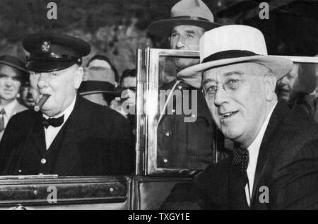 Franklin Delano Roosevelt (1882-1945), 32. Präsident der USA (rechts) und Winston Churchill (1874-1965), britischer Premierminister, Konferenz in Quebec im Jahre 1944 - Stockfoto