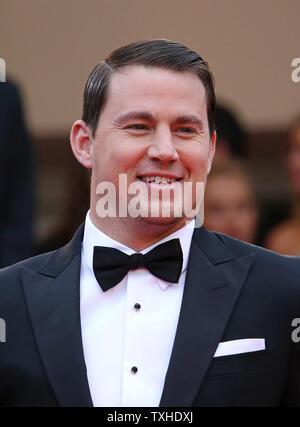 """Channing Tatum kommt auf den Stufen des Palais des Festivals vor der Vorführung des Films """"foxcatcher"""" während der 67. jährliche Internationale Filmfestspiele von Cannes in Cannes, Frankreich am 19. Mai 2014. UPI/David Silpa - Stockfoto"""