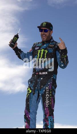 "Racer Ken Block, Fahrer des Autos 43, ein Ford Fiesta ST für Hoonigan Racing Division, gewinnt die Serie upercar"" der Red Bull Global Rallycross in Fort Lauderdale, Florida, am 31. Mai 2015. UPI/Joe Marino-Bill Cantrell) - Stockfoto"