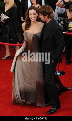 Angelina Jolie und Brad Pitt nehmen an der 14. Jahrestagung der Screen Actors Guild Awards in Los Angeles am 27. Januar 2008. (UPI Foto/Jim Ruymen) - Stockfoto