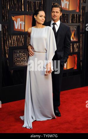 Angelina Jolie und Brad Pitt kommen an der 14. jährlichen Critics' Choice Awards in Santa Monica, Kalifornien am 8. Januar 2009. (UPI Foto/Jim Ruymen) - Stockfoto