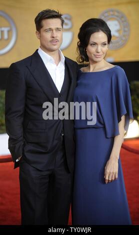 Brad Pitt (L) und Angelina Jolie an der Screen Actors Guild Awards in Los Angeles am 25. Januar 2009 statt. (UPI Foto/Phil McCarten) - Stockfoto