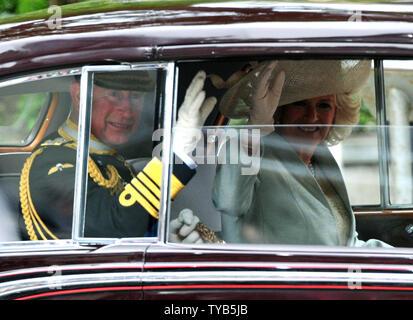 Prinz Charles und Camilla, Herzogin von Cornwall, kommen für die königliche Hochzeit zwischen Prinz William und Kate Middleton an der Westminster Abbey in London am 29. April 2011. UPI/Kevin Dietsch - Stockfoto