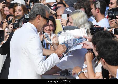 Amerikanische Schauspieler Jeff Goldblum besucht die Premiere für den Berg während des 75. Filmfestival in Venedig Venedig am 30. August 2018. Foto von Paul Treadway/UPI - Stockfoto