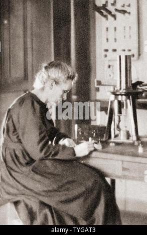Marie Skłodowska Curie, geboren Maria Salomea Skłodowska, 1867 - 1934. Polnische und Naturalisiert - der französische Physiker und Chemiker. Aus dem Festzug des Jahrhunderts, veröffentlicht 1934. - Stockfoto