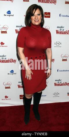 Caroline Manzo kommt für die Frau Tag rotes Kleid Auszeichnungen bei Jazz at Lincoln Center in New York am 15. Februar 2012. UPI/Laura Cavanaugh - Stockfoto