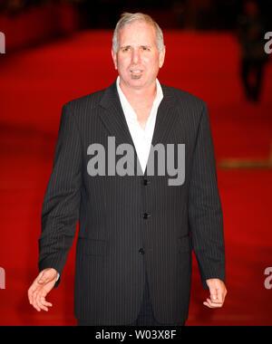 """Joel Surnow, Autor und Produzent der TV-Serie """"24"""", kommt an der Rom Filmfestival in Rom am 20. Oktober 2007. (UPI Foto/David Silpa) - Stockfoto"""