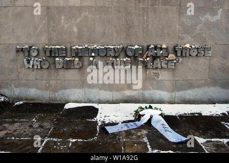 Eine der Gedenkstätten in Bergen-belsen Concentration Camp in Deutschland - Stockfoto