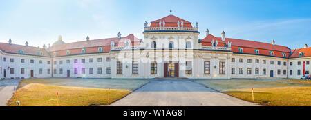Wien, Österreich - 18. FEBRUAR 2019: Die panoramaaussicht auf der Rückseite des Unteren Belvedere, mit thew Haupteingang zum Museum, am 18. Februar
