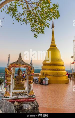 Die Oberseite der Tiger Cave Tempel in Krabi, Thailand, Südostasien, Asien