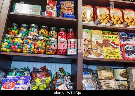 Vero Beach Florida Cracker Barrel Old Country Store Restaurant Einzelhandel Kette südlichen Thema Nostalgie waren Süßigkeiten Süßigkeiten pe - Stockfoto