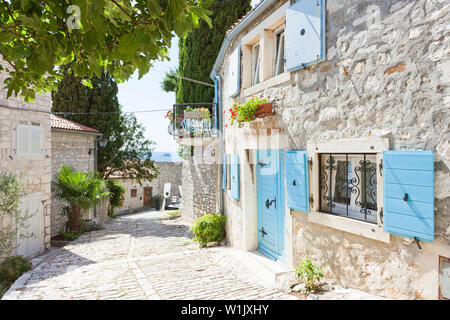 Rovinj, Istrien, Kroatien, Europa - malerische Gasse des Mittelalters - Stockfoto