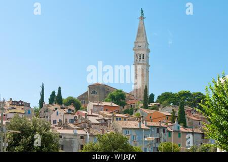 Rovinj, Istrien, Kroatien, Europa - Turm der Kirche der hl. Euphemia - Stockfoto