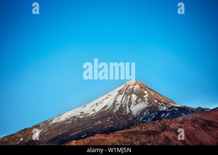 Schnee caped Kraterrand des Pico del Teide, Teide, Vulkan, National Park, Teneriffa, Kanarische Inseln, Spanien - Stockfoto