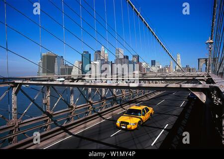 Brooklyn Bridge, die Innenstadt von Manhattan New York, USA - Stockfoto