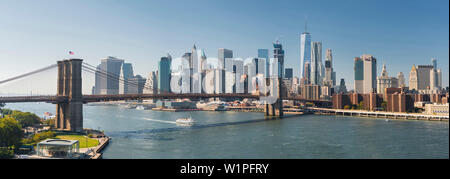 Brooklyn Bridge, East River, Manhatten, New York City, USA - Stockfoto