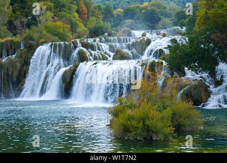 Wasserfälle Skradinski Buk, Krka Nationalpark, Dalmatien, Kroatien, Europa - Stockfoto