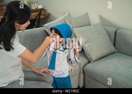 Student Mit Professorin Und Ihrer Tochter