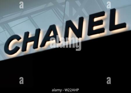 Orlando, Florida. Juni 6, 2019. Chanel Zeichen in der Mall at Millenia 17. - Stockfoto