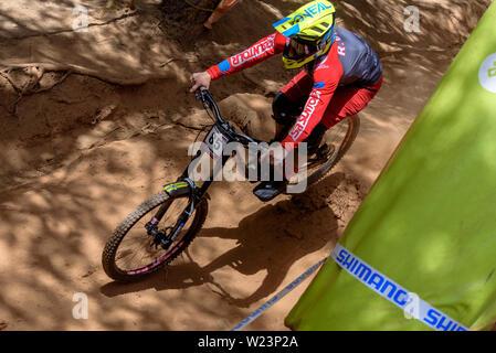 VALLNORD, Andorra am 5. Juli 2019: Radfahrer in den MERCEDES-BENZ UCI MTB WORLD CUP 2019 - DHI Vallnord, Andorra mit Juli 2019 - Stockfoto