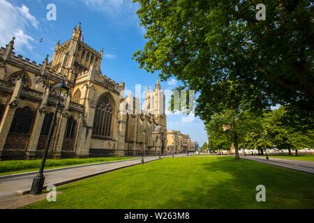 Bristol, Großbritannien, 29. Juni 2019: Ein Blick auf die prächtige Kathedrale von Bristol aus College Green in der Stadt Bristol in England.