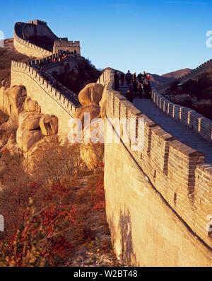 Ansicht der Jinshanling Abschnitt, der Chinesischen Mauer, UNESCO-Weltkulturerbe, in der Nähe von Peking, China, Asien - Stockfoto