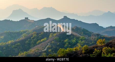 China, Peking Gemeinde, miyun County, der Chinesischen Mauer (UNESCO-Weltkulturerbe), Gubeikou zu Jinshanling Abschnitt - Stockfoto