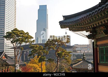 Bongeunsa Tempelgelände und moderner Architektur in Gangnam Bezirk von Seoul, Südkorea - Stockfoto