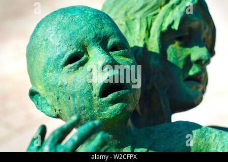 Florida, Miami Beach, Holocaust-mahnmal, Bronzestatue von Kind und Mutter, eine Skulptur von Liebe und Angst. - Stockfoto