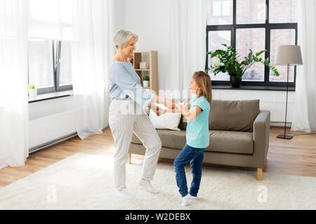 Alte Oma Spaß vom Fotografen Stockfoto, Bild: 1234474 - Alamy