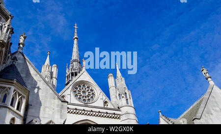 Royal Courts of Justice, Strang, Westminster, London, England. - Stockfoto