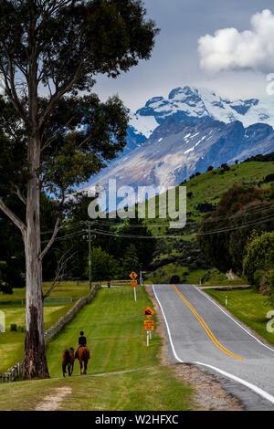 Die Queenstown nach Glenorchy Road, South Island, Neuseeland - Stockfoto