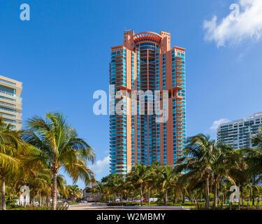 Portofino Tower, ein wohnwolkenkratzer in Miamis South Pointe. - Stockfoto