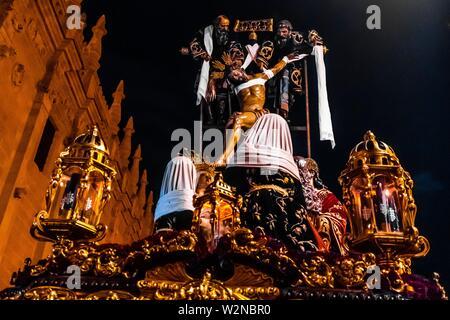 Eine paso (float) der Kreuzigung Jesu Christi, der heiligen Woche (Semana Santa), Sevilla, Andalusien, Spanien. - Stockfoto