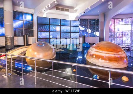 Moskau, Russland - 28 September: Ausstellung in Moskau Planetarium am 28. September 2014 in Moskau. Eine der weltweit größten und ältesten Planetarium. - Stockfoto