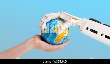 Mensch und Roboter Hand Globus - Stockfoto