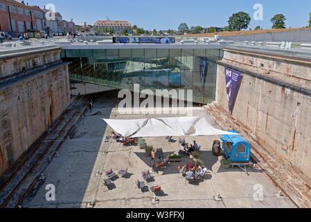 Die u-bahn Dänische Maritime Museum, M/S Museet für Søfart, rund um eine alte Trockendock gebaut. Helsingor/Helsingør in Dänemark. Architekt Bjarke Ingels BIG