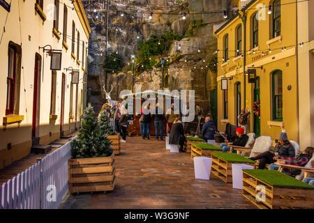 Die Bastille Festival Sydney ist eine französische kulturelle Feier Essen, Wein und Kunst, jährlich in Sydney Circular Quay und den Rocks, Australien statt - Stockfoto