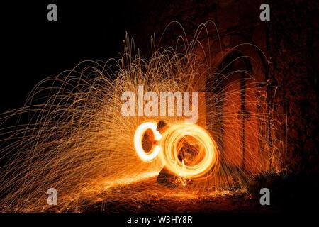 Rotierende brennen Stahlwolle Foto - Stockfoto
