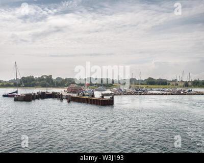 Kleiner Hafen Marina auf Lyoe in den Schären in Dänemark - Stockfoto