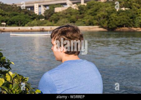 Ein Junge das Meer - Stockfoto