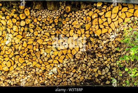 Holzstapel in Grevenbroich, Deutschland Stockfoto