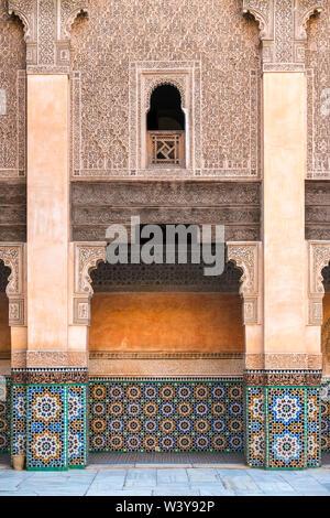 Marokko, Marrakech-Safi (Marrakesh-Tensift-El Haouz) Region, Marrakesch. Ben Youssef Madrasa, 16. Jahrhundert islamische Hochschule. - Stockfoto