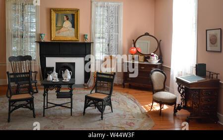 Southern Belle's Portrait hängt im Schlafzimmer im Weißen Haus der Konföderation, temporäre Heimat Verbündete Präsident Jefferson Davis, Montgomery, AL - Stockfoto