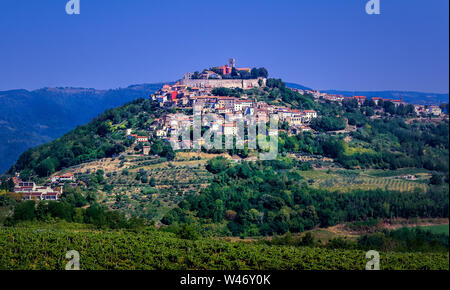 Blick auf Motovun in Istrien, Kroatien - Stockfoto