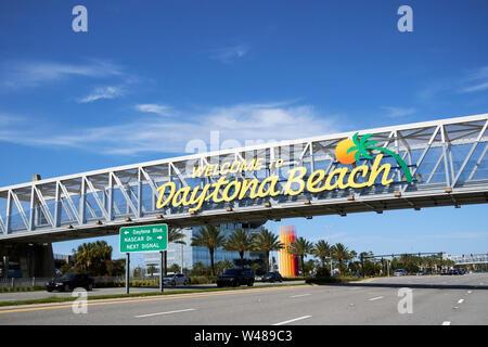 Willkommen Strand Zeichen auf Fahrbahn in Florida fl usa Vereinigte Staaten von Amerika daytona - Stockfoto